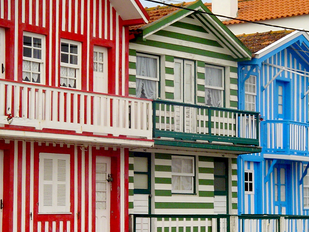 Většina lidí by si koupila dům v dražbě. Láká je nízká cena