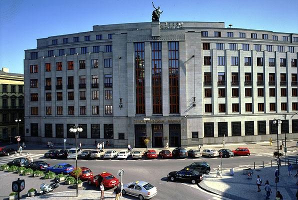 ČNB: Ceny bytů klesly o 14 %... to prý stačí