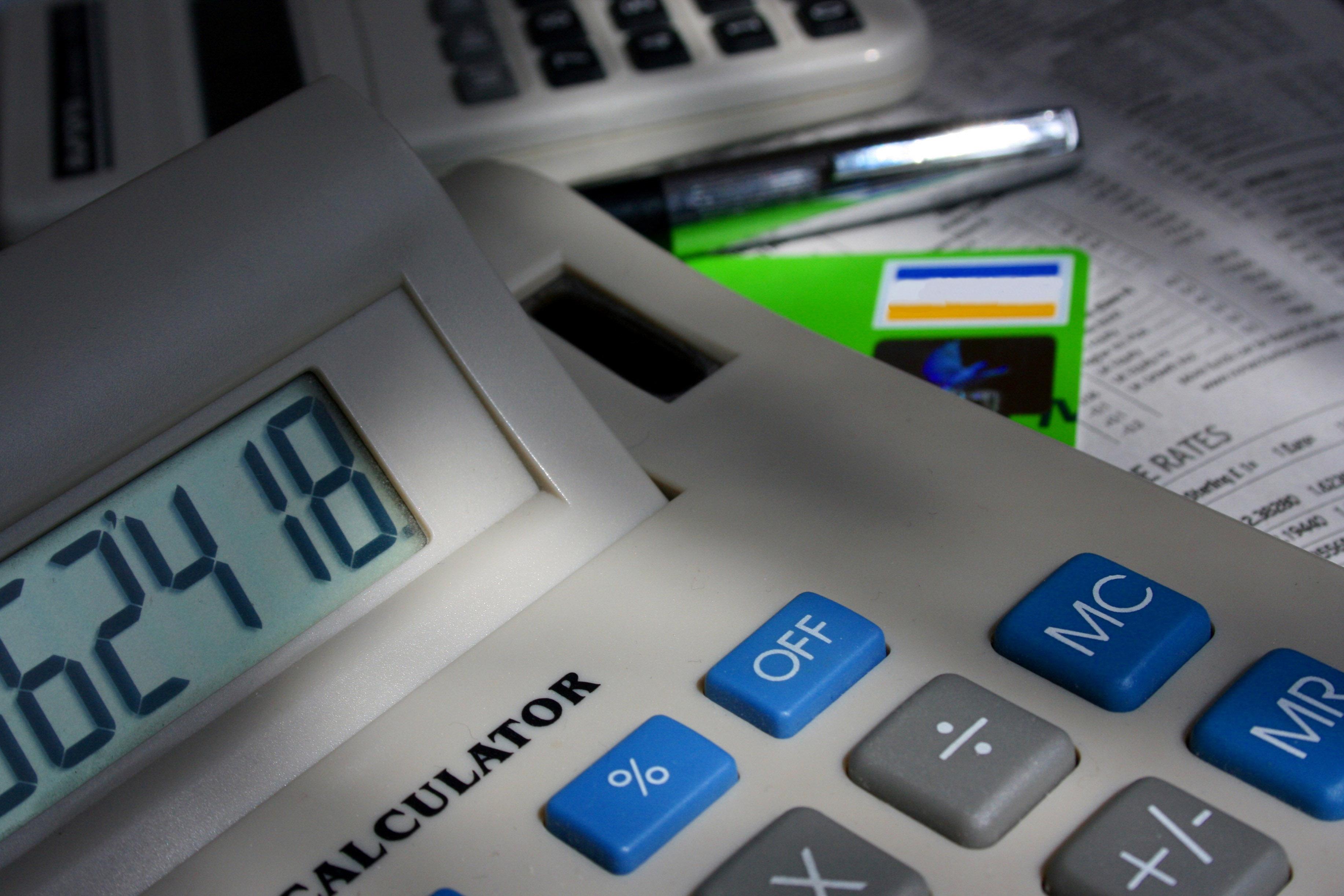 Splácíte úvěr na bydlení? Nezapomeňte si zaplacené úroky odečíst z daní