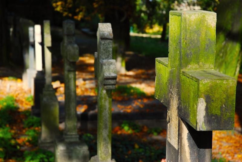 Smrtí dlužníka povinnost splácet hypotéku nekončí. Ani pro dědice
