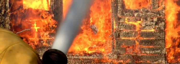 Požár, oheň, hasiči - pojištění nemovitostí
