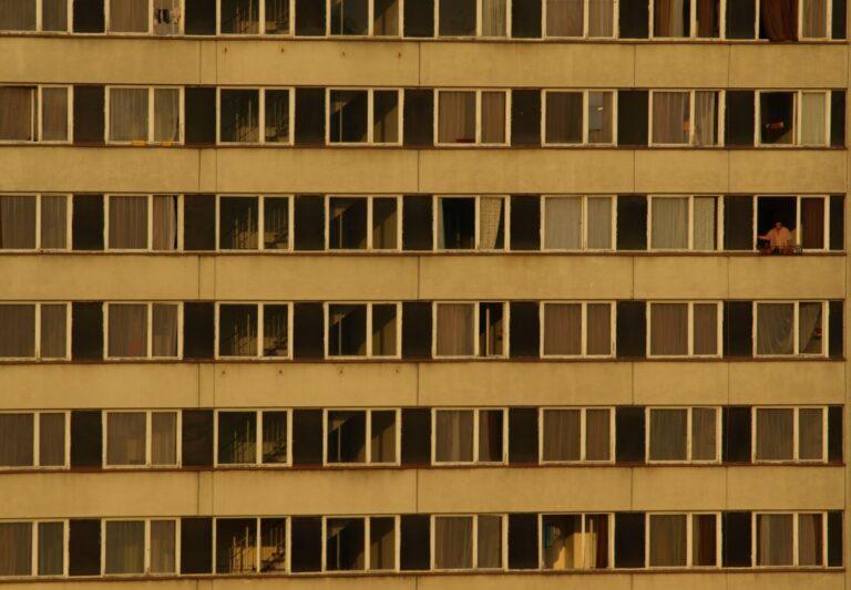 Panelák - bytový dům - bydlení
