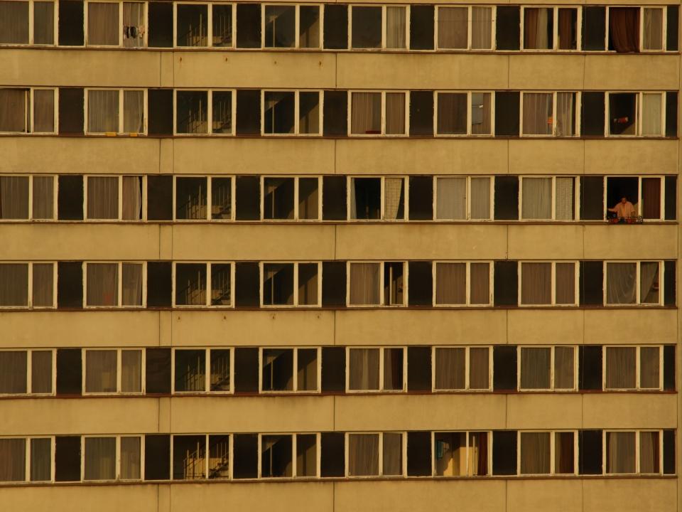Panelák - panelový dům - bydlení - byty - bytový dům