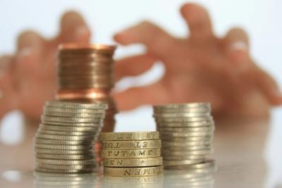 Peníze - ruce - mince