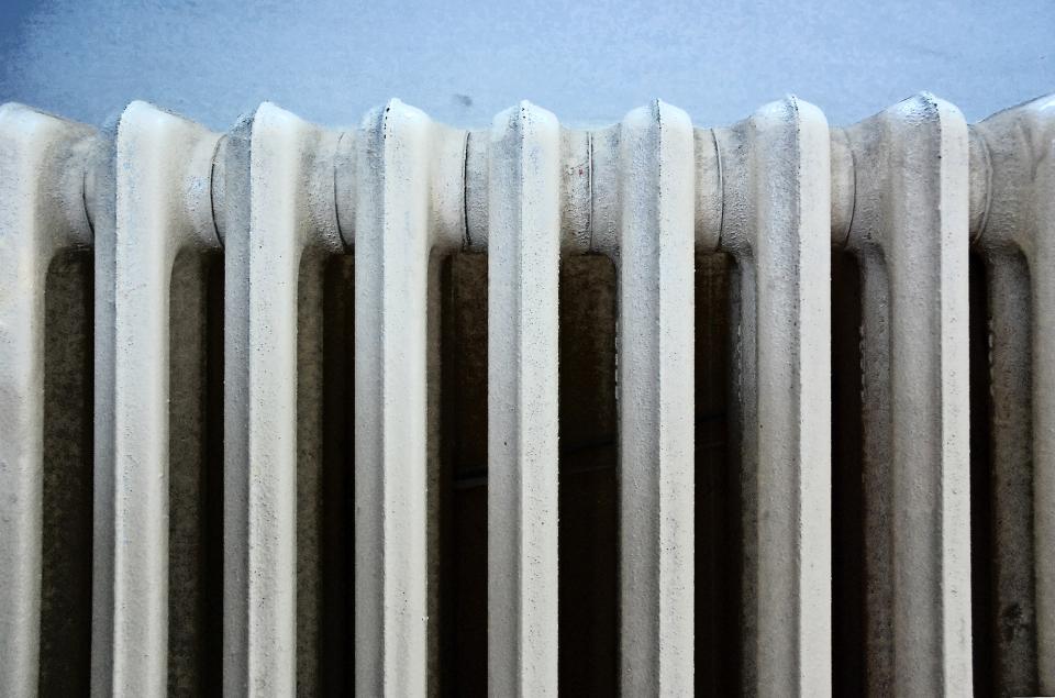Blíží se topná sezóna: Jak topit nejlevněji?