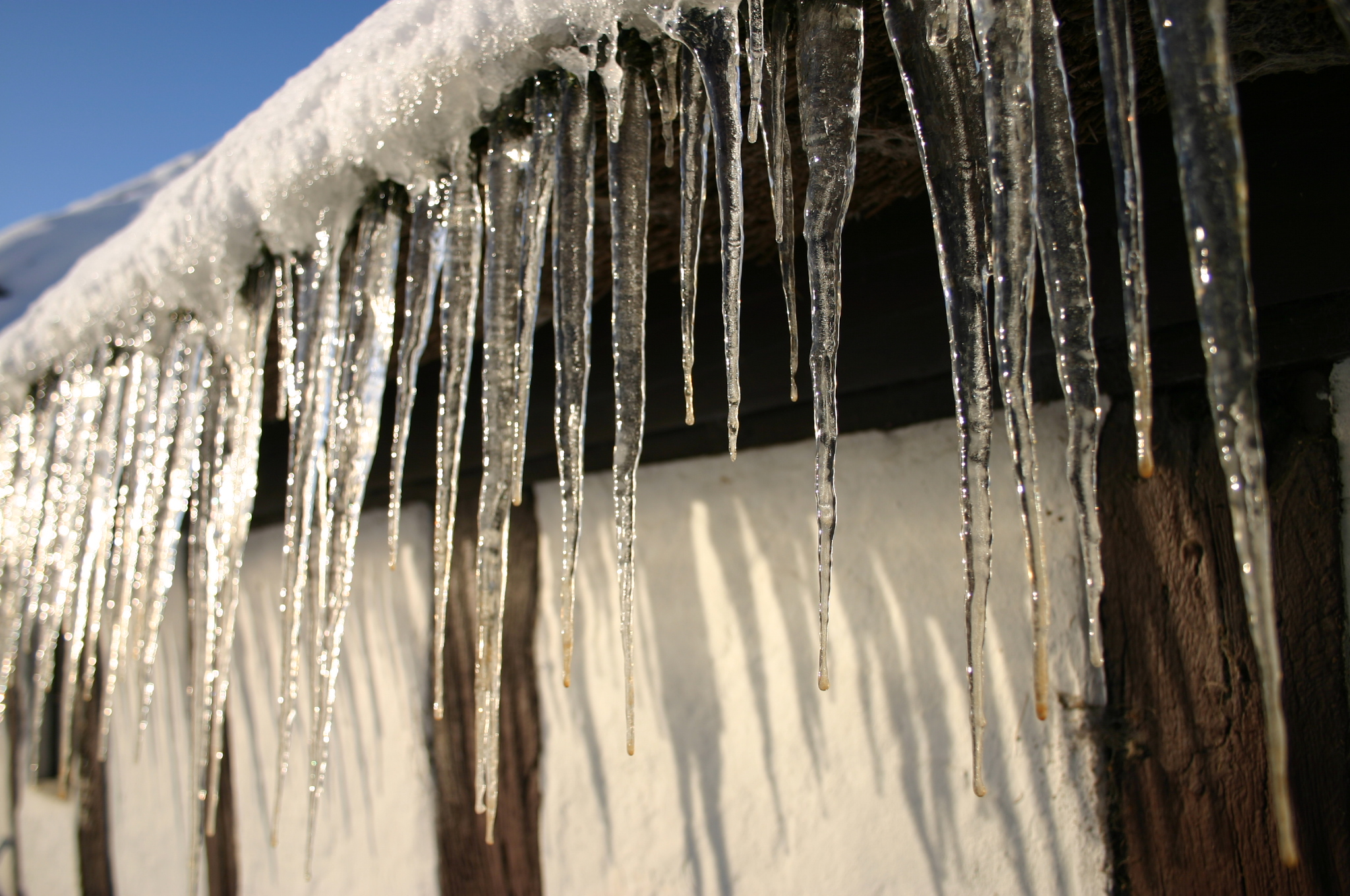 Začíná zima. Pozor na úrazy! Hlavně před vaším domem