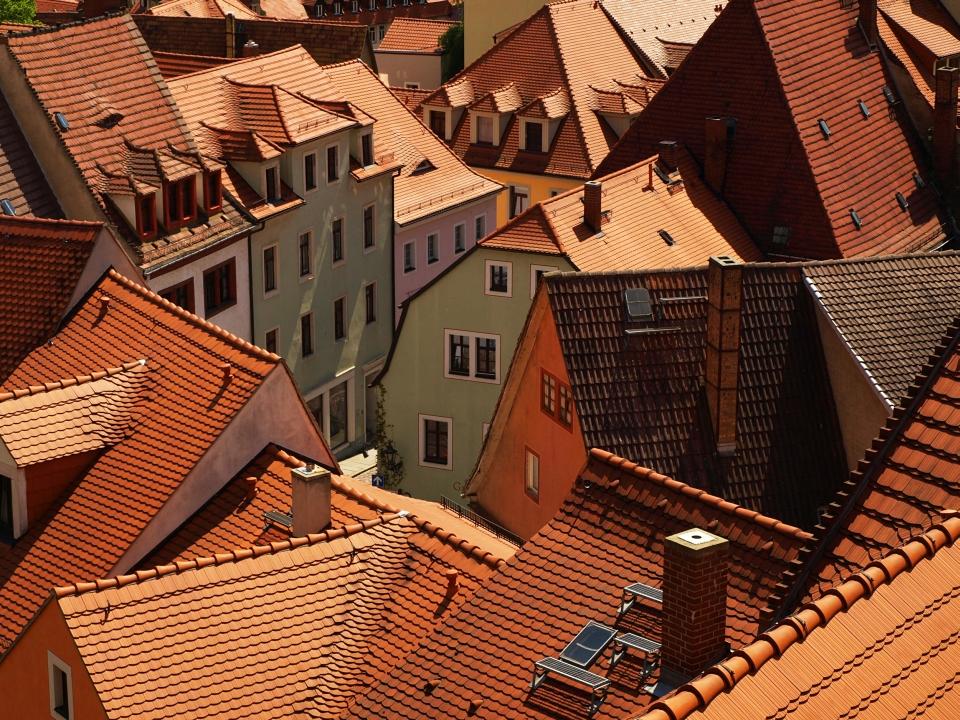 Střechy domů - dům