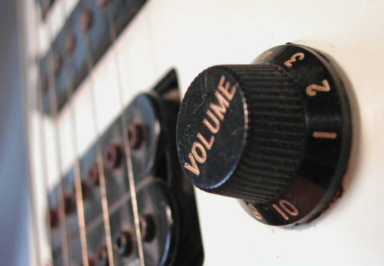 Hluk - elektrická kytara - volume
