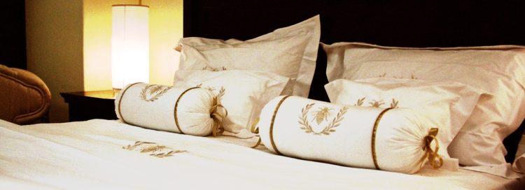 Byt - ložnice - postel - bydlí v nájmu