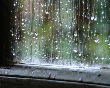 Déšť na okně - dešťové kapky - voda