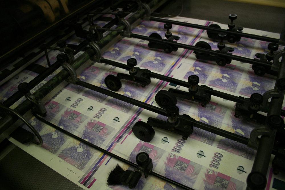 Tisk peněz - ČNB - peníze - bankovky
