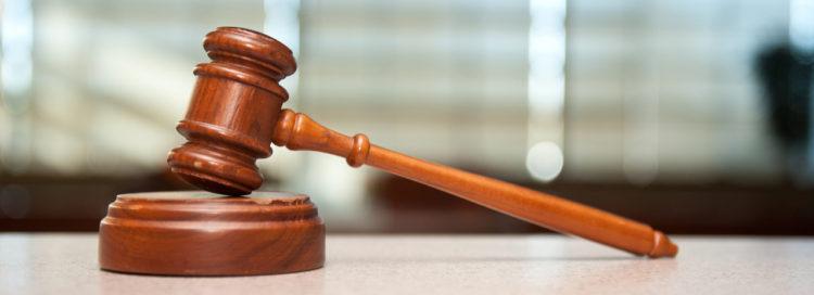 Soudcovské kladívko - právo - spravedlnost