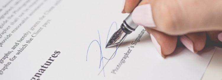 Podpis smlouvy - smlouva - předsmluvní odpovědnost