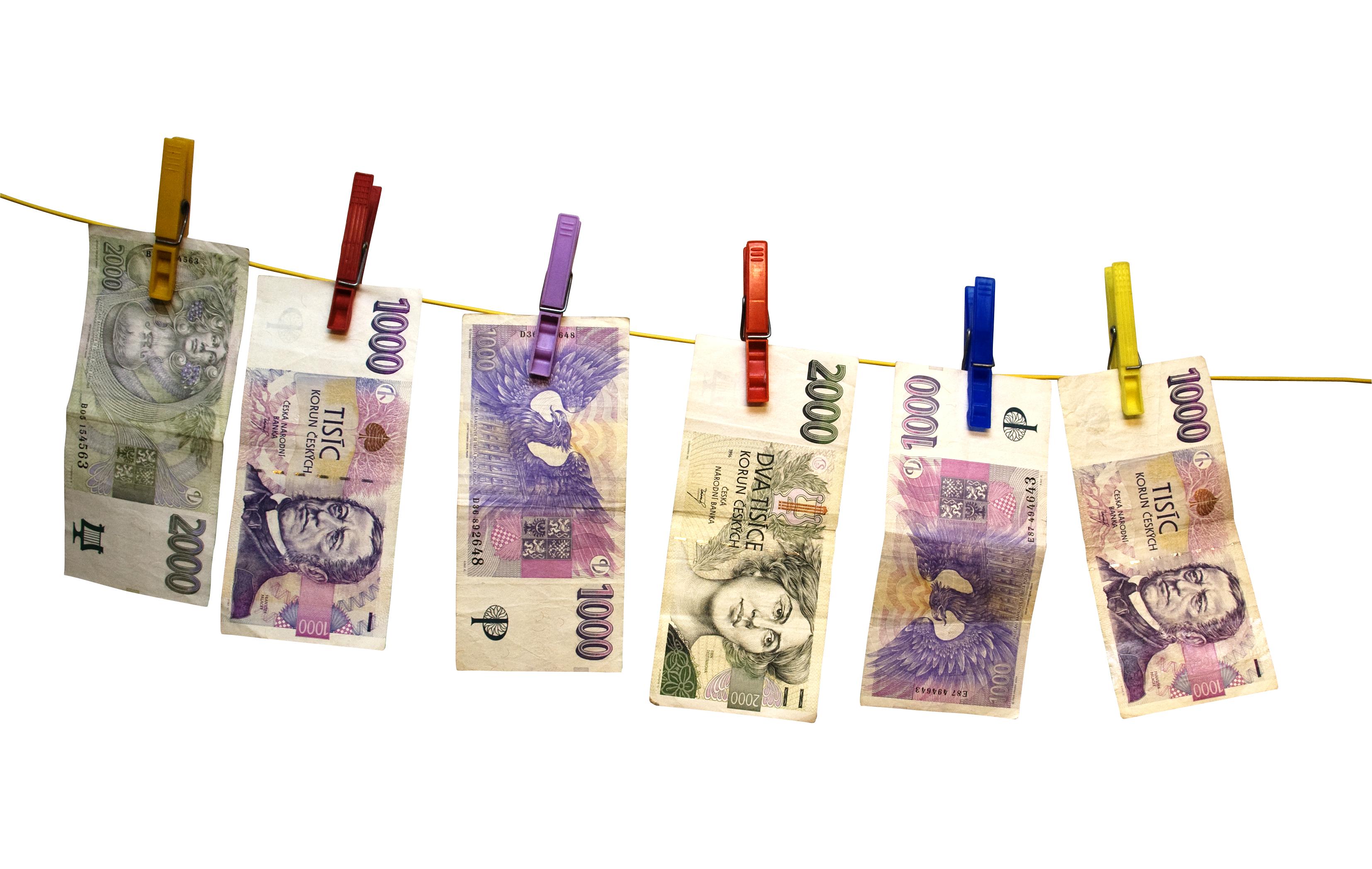 czech-crowns-peníze na šňůře