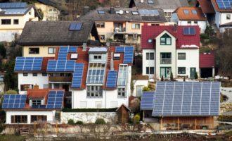 Energetická náročnost bydlení - solární panely - rodinné domy, bytové domy