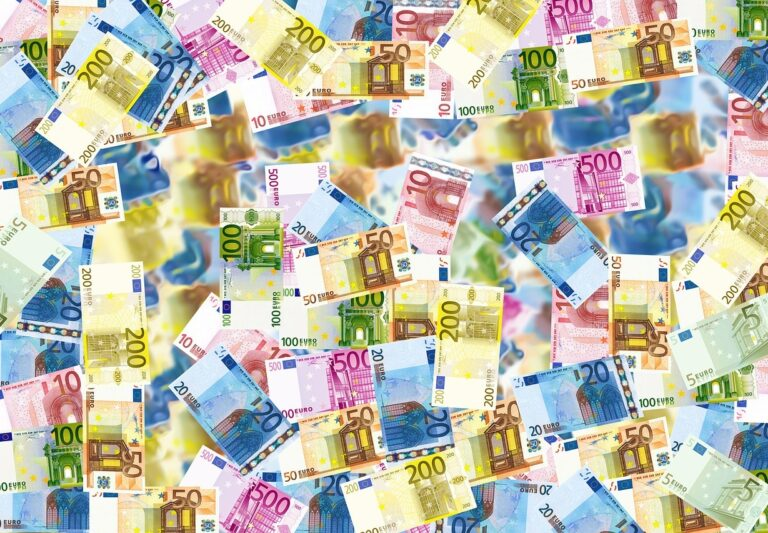 bankovky - peníze - euro