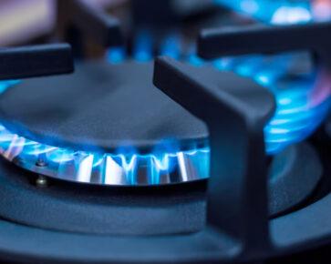 Ceny elektřiny a plynu jsou levnější
