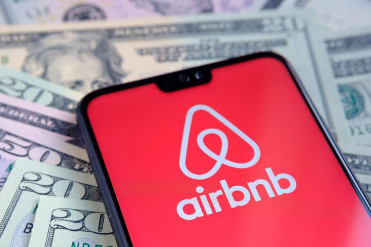 Airbnb: vstup na burzu a regulace