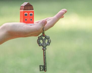 dostupnost vlastního bydlení