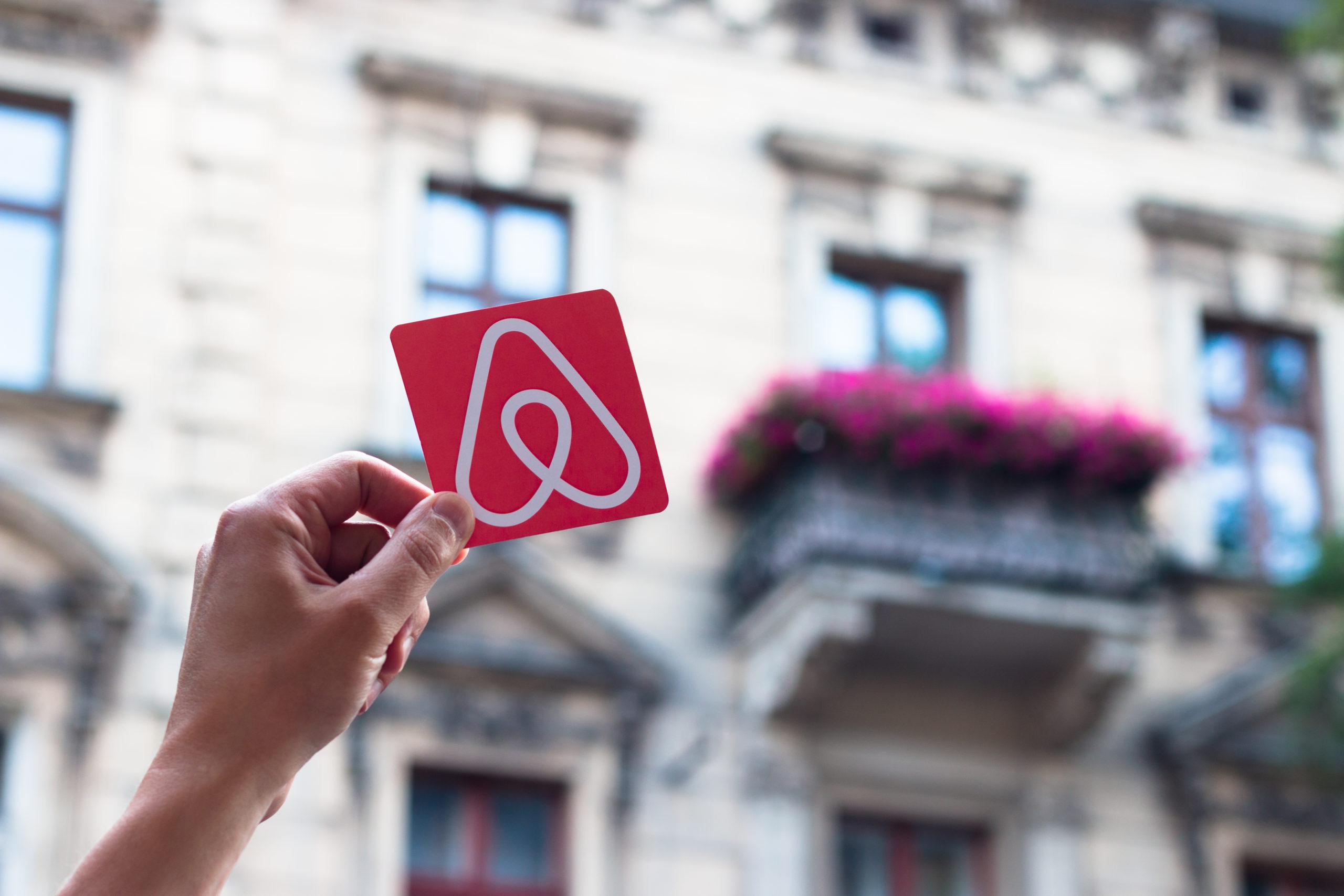 Regulace Airbnb rekolaudace